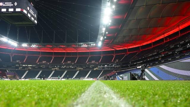 Eintracht Frankfurt: Beim Freundschaftsspiel gegen St. Étienne werden nur noch halb so viele Zuschauer eingelassen. (Archivbild)