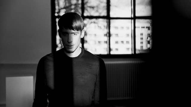 Designer Kilian Kerner feiert sein 20. Show-Jubiläum auf der Berliner Fashion Week.