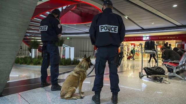 Grenzsicherung am Pariser Flughafen Charles des Gaulle