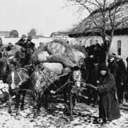 Vertrieben und verfolgt: Die als Kulaken diffamierten Bauern müssen ihren Hof in der Ukraine räumen.