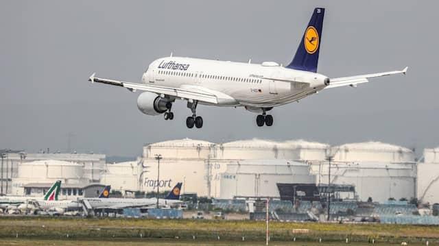 Bei dem Streik geht es nicht nur um höheren Lohn. Die Lufthansa erkennt den Ufo-Vorstand nicht mehr als vertretungsberechtigt an.