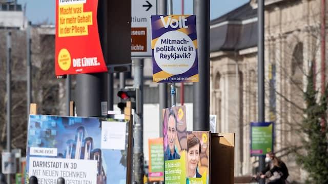 Volt-Wahlplakat in Darmstadt: Die Partei als Kurzzeit-Hype abzutun wäre ein Fehler.