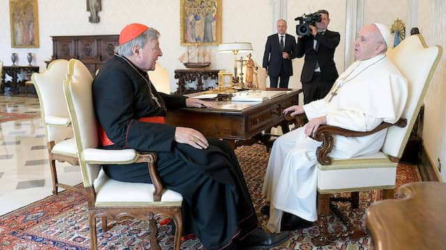 Papst Franziskus empfing am Montag den australischen Kurienkardinal George Pell zu einer Privataudienz.
