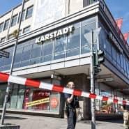 Am Hermannplatz in Berlin-Neukölln ist die Polizei wegen eines Raubüberfalls im Einsatz.