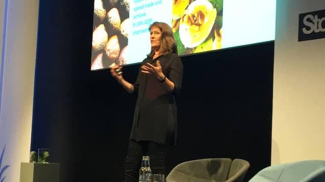 Marie Wieck auf der Bühne in Stockholm