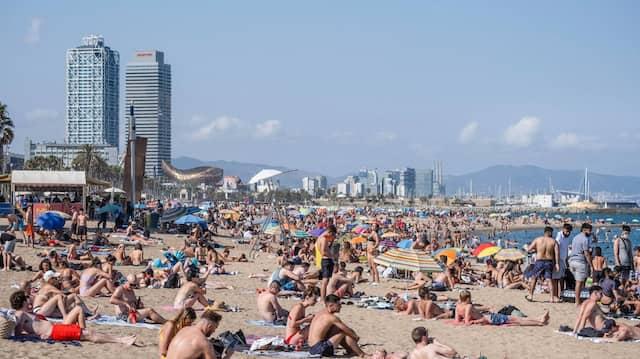 Der Strand von Barcelona Mitte Juli: Keine Pandemie in Sicht.