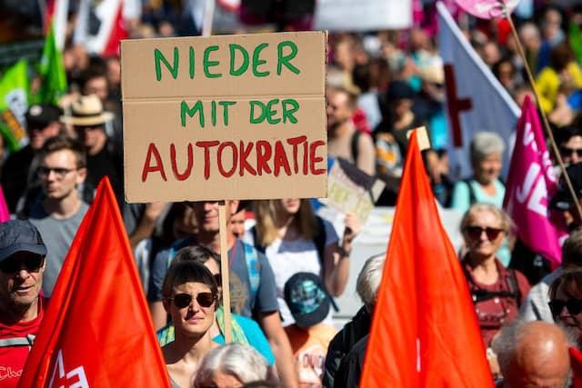 IAA-Demonstranten in Frankfurt