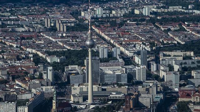 Blick auf die deutsche Hauptstadt und den Fernsehturm: Was bezweckt der Mietendeckel?