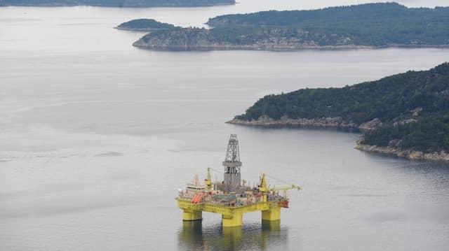Eine Ölplattform im Gandsfjord bei Stavanger (Norwegen): Auch die Ölbranche wird betroffen sein.