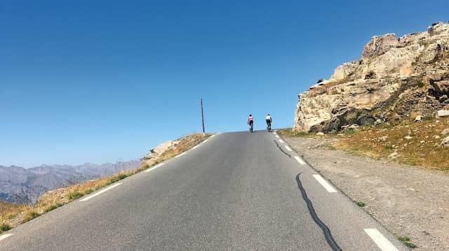 Am Col de la Bonette: Diese endlose  Straße windet sich durch die französischen Seealpen bis  auf 2800 Meter Höhe.