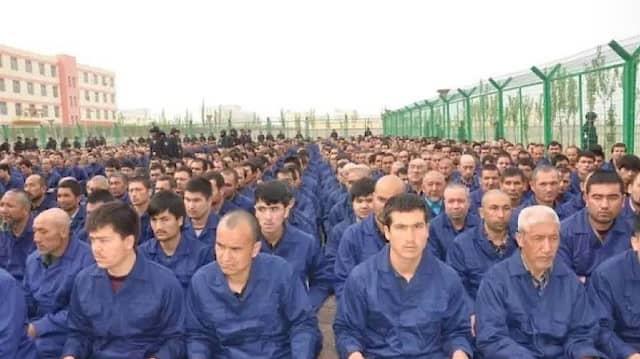 Uiguren in einem chinesischen Internierungslager im Jahr 2017