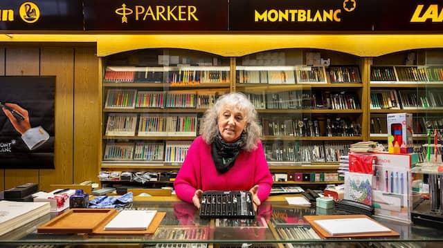 Mehr als ein halbes Jahrhundert: Ilona Mahnert, Inhaberin des Fachgeschäfts Füllfeder Haizmann