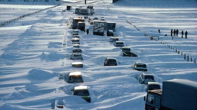 Schneeschmelze und Regen bescheren der Mitte Deutschlands im Jahr 2021 schon Anfang Februar Hochwasser, und dem Norden droht, was eine Grenzwetterlage 1979 anrichtete.