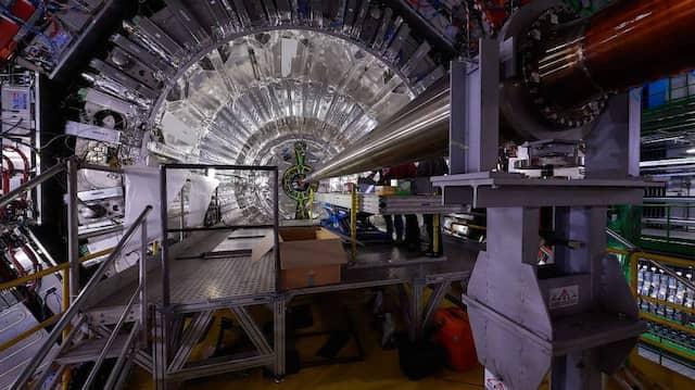 """Der """"Large Hadron Collider"""" des Cern gibt als komplexes Big-Data-Experiment Anlass zu vielfältigen philosophischen Fragen."""