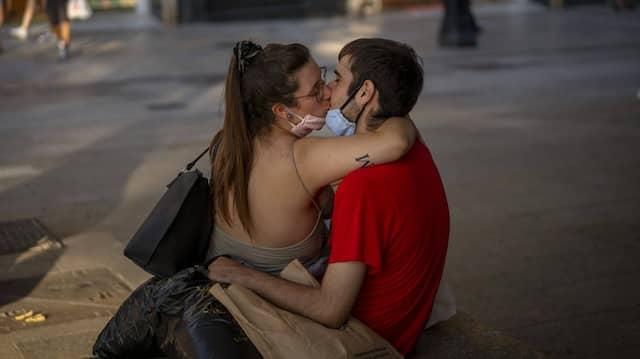 Gemeinsam stark in der Krise: Die Pandemie könnte Paarbeziehungen resilienter gemacht haben.