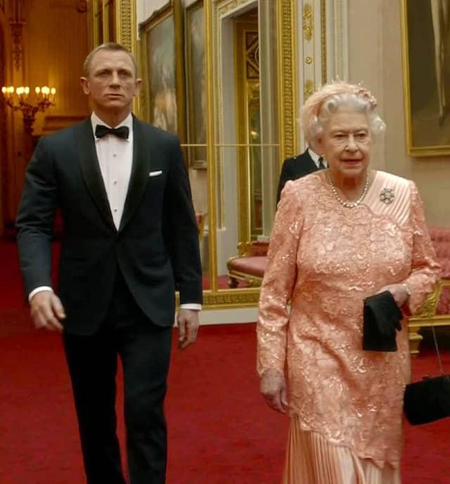 James Bond (Daniel Craig) haben bei der Eröffnung der Olympischen Sommerspiele 2012 in London eine spektakuläre Show geboten.