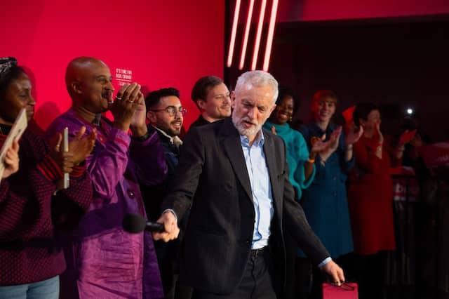 Ein Auftritt wie von einem Rockstar: Jeremy Corbyn in Birmingham