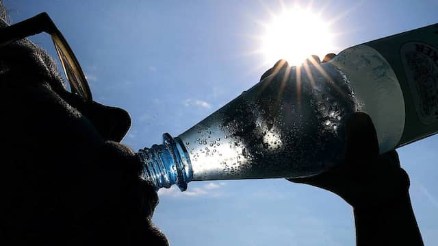 Besonders Mineralwasser ist während der Sommerhitze beliebt.