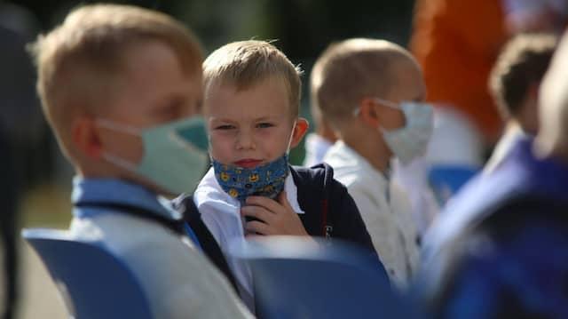 Schulanfang mit Maske in Sachsen-Anhalt im August.