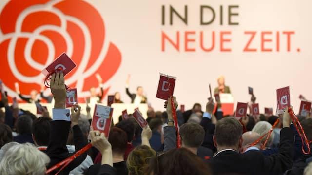 Abstimmung auf dem SPD-Parteitag am Wochenende vom 6. Dezember 2019 über den Aufbruch in die neue Zeit.