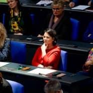 Natürlich weiß auch Baerbock, dass Grundrechte eingeschränkt werden können: Bei der Debatte im Bundestag