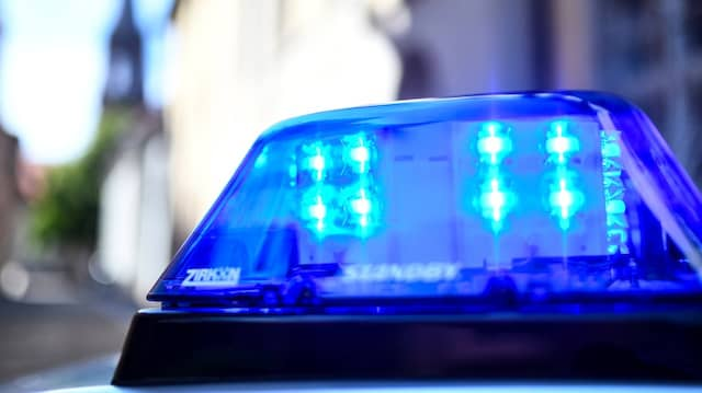 Bei den Löscharbeiten eines Hauses im Stadtteil Breitenborn hatten Einsatzkräfte einen toten Mann gefunden.