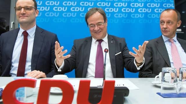 Drei potentielle Kandidaten für den CDU-Vorsitz, alle aus Nordrhein-Westfalen: Jens Spahn, Armin Laschet, Friedrich Merz (v.l.)