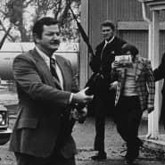 Sicherheitszone: Bei US Marshals, die Kronzeugen in Mafia-Prozessen bewachen mussten, waren Fotografen nicht gern gesehen. Perry Kretz gelang trotzdem ein Bild vom Abtransport eines ehemaligen Mafioso.
