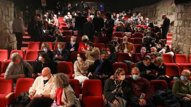 Eintritt nur mit grünem Pass: Im Khan-Theater in Jerusalem.
