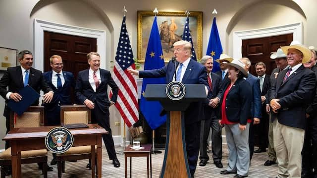 """Die Einigung mit der EU über einen Anstieg amerikanischer Rindfleischexporte bezeichnete Trump als """"bedeutenden Erfolg""""."""