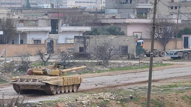 Ein Panzer der syrischen Truppen am Montag in Homs