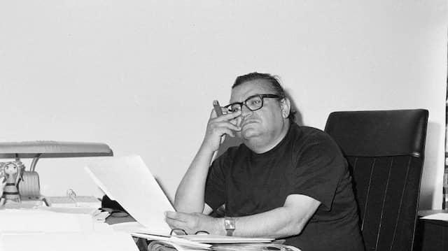 """Mario Puzo im Jahr 1970, bei der Arbeit am Drehbuch für """"Der Pate"""""""