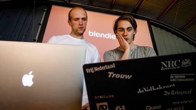 Da waren sie noch unabhängig: die Gründer Marten Blankesteijn (links) und Alexander Klöpping beim Launch von Blendle im Jahr 2014