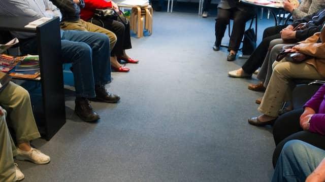 Volles Wartezimmer bei einem Arzt in Brandenburg
