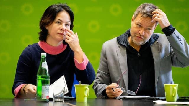 Wie weiter? Die Parteivorsitzenden Annalena Baerbock und Robert Habeck im Dezember zu Beginn der Vorstandstagung