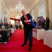 Schwingt bei einem Event im Weißen Haus den Baseballschläger: Donald Trump