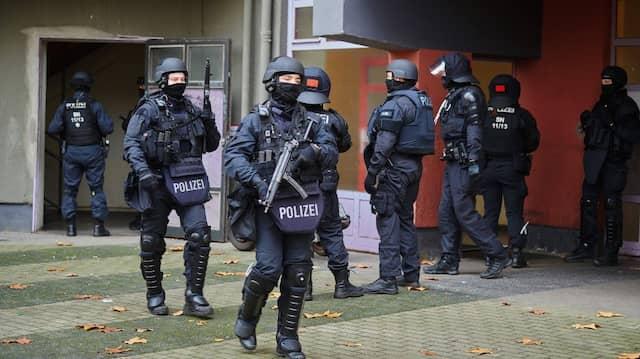 Polizisten während des Einsatzes in Berlin