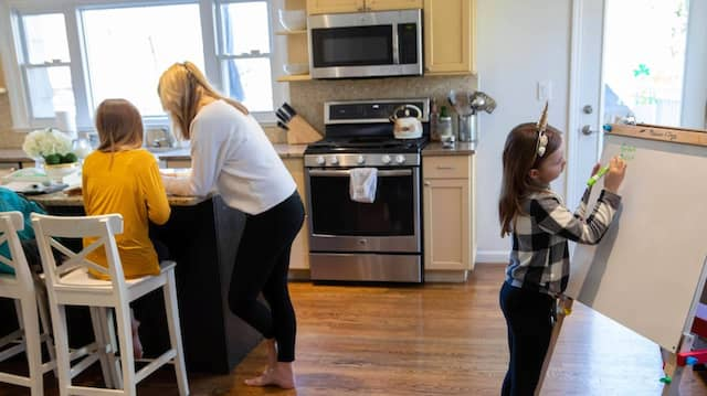 Homeschooling in New Rochelle, New York, einem Hotspot der Corona-Pandemie in den Vereinigten Staaten