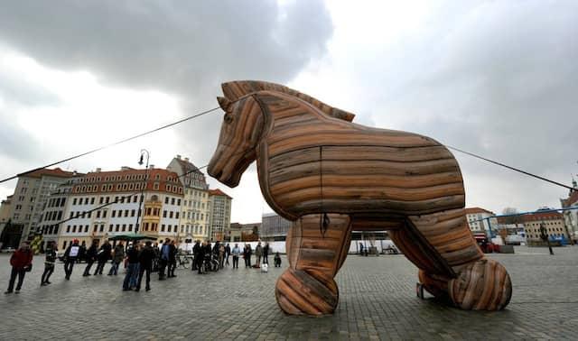 Über den Mythos hinaus: das trojanische Pferd