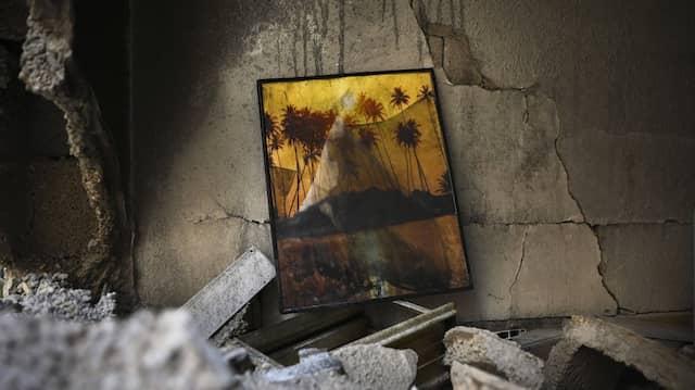 Durch Raketen der Hamas zerstörte Wohnung im israelischen Petah Tikva
