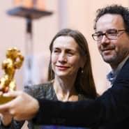 Mariette Rissenbeek und Carlo Chatrian mit Goldenem Bären