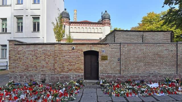 Die Synagoge von Halle an der Saale vier Tage nach dem Anschlag