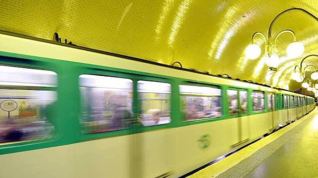 Niemand in der Pariser Metro würde sich an Berthet erinnern, er ist ein Mann, der sich auf Unsichtbarkeit versteht.