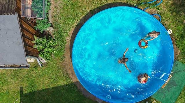 Darf Man Sich Einen Swimmingpool In Den Garten Bauen