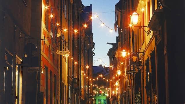 Nicht zu viel des Guten! Diese Mahnung haben die stilsicheren Skandinavier beim Thema Beleuchtung nicht nötig.
