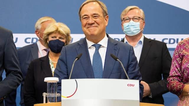 Will standhaft bleiben: Armin Laschet am Sonntagabend im Konrad-Adenauer-Haus