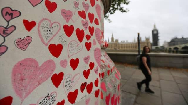 National Covid Memorial Wall in London: Das Denkmal wurde von Freiwilligen gestaltet, um den Opfern der Pandemie zu gedenken.