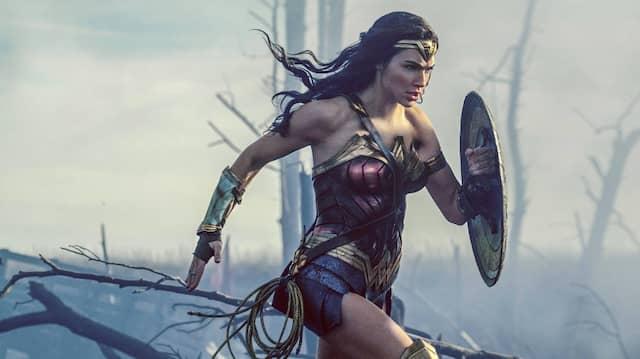 """Mit """"Wonder Woman"""" zeigte Hollywood im vergangenen Jahr, dass weibliche Superhelden auch ohne Frauenklischees ausgehen. Beim zweiten Teil gehen die Filmproduzenten noch einen Schritt weiter."""