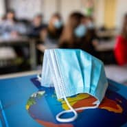 Die Filterleistung von Schutzmasken sollte in Schulen 94 Prozent betragen