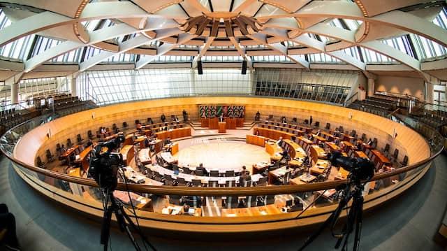 Parlament im Corona-Modus: Der Landtag in Düsseldorf